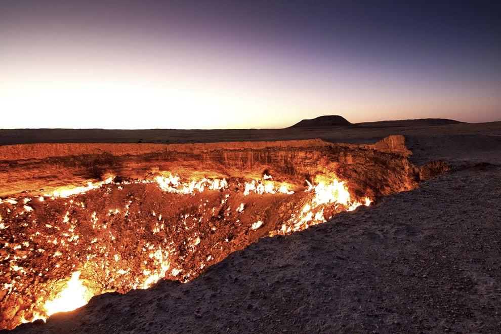 Las puertas del Infierno, en el cráter de Darvaza, Turkmenistán.