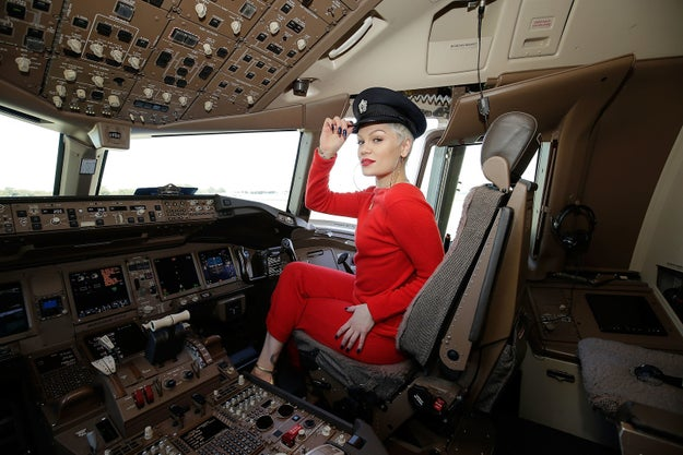 Jessie J Can't Eat Bread While Flying Because It Makes Her Fart