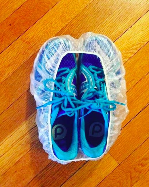 Zabalte boty do koupací čepice, aby vám neumazaly zbytek výbavy.