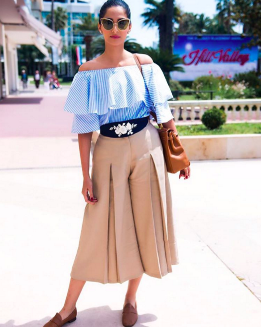 Well, this off-shoulder trend can make you feel a tiny bit cooler and isn't that just what we all want? To be a tiny bit cooler?