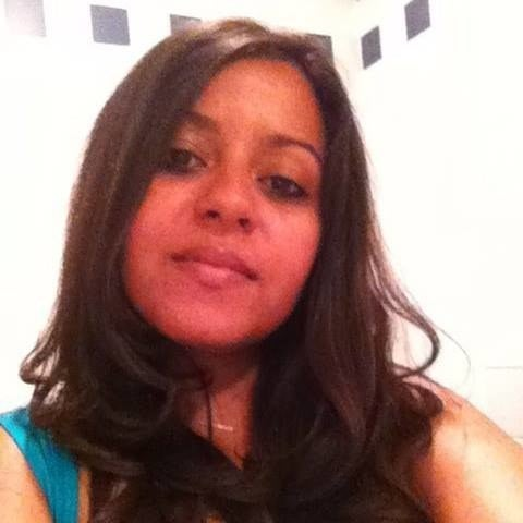 La mort de cette jeune femme, née en 1985, a été annoncée par le ministère tunisien des Affaires étrangères dans un communiqué posté sur Facebook. Son fils de quatre ans, Killian, est aussi décédé.
