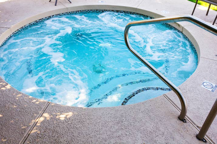 13 Things You Should Know Before You Get In A Hot Tub