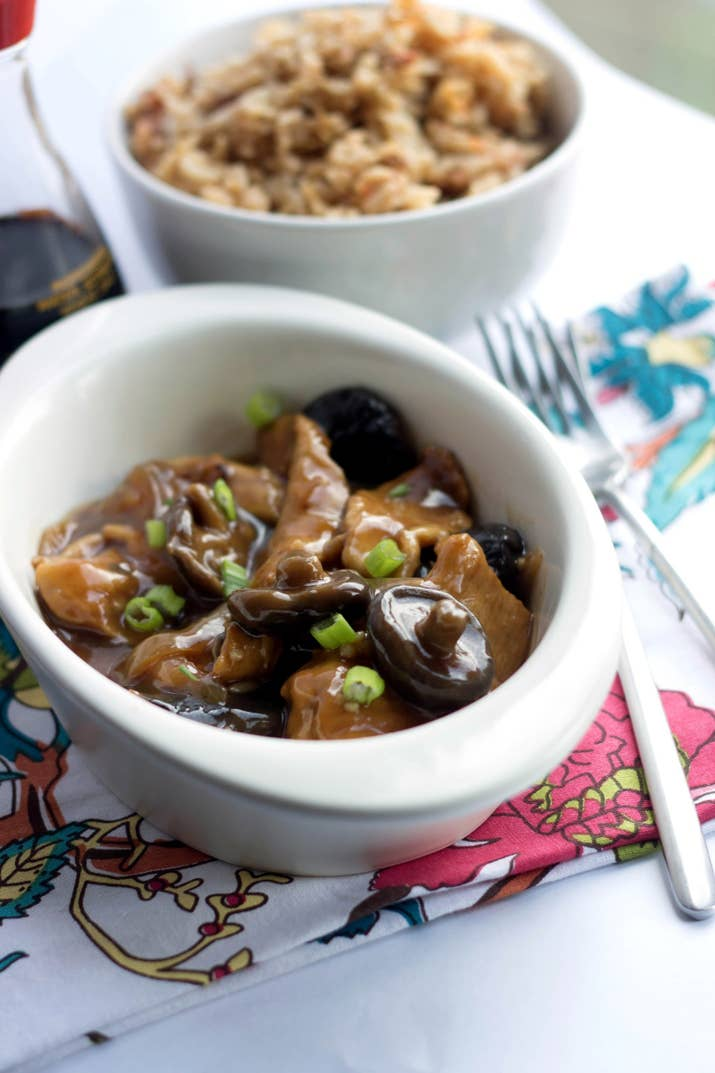 23 chinese inspired dishes thatll make you quit takeout forever chicken with chinese mushrooms recipe here forumfinder Gallery