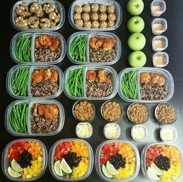 This perfect mix of lunches and ~healthy~ cookies.