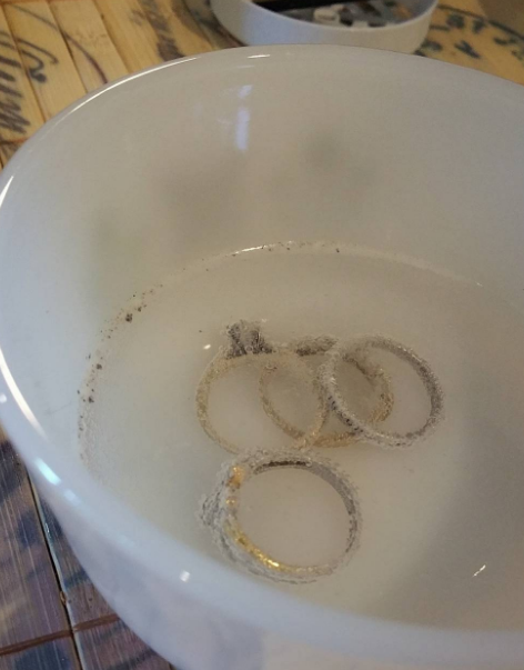 Leave your rings soaking in hydrogen peroxide in order to restore shine.