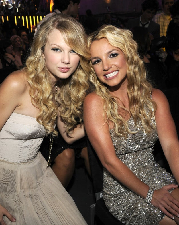 Because this photo from the 2008 VMAs says otherwise: