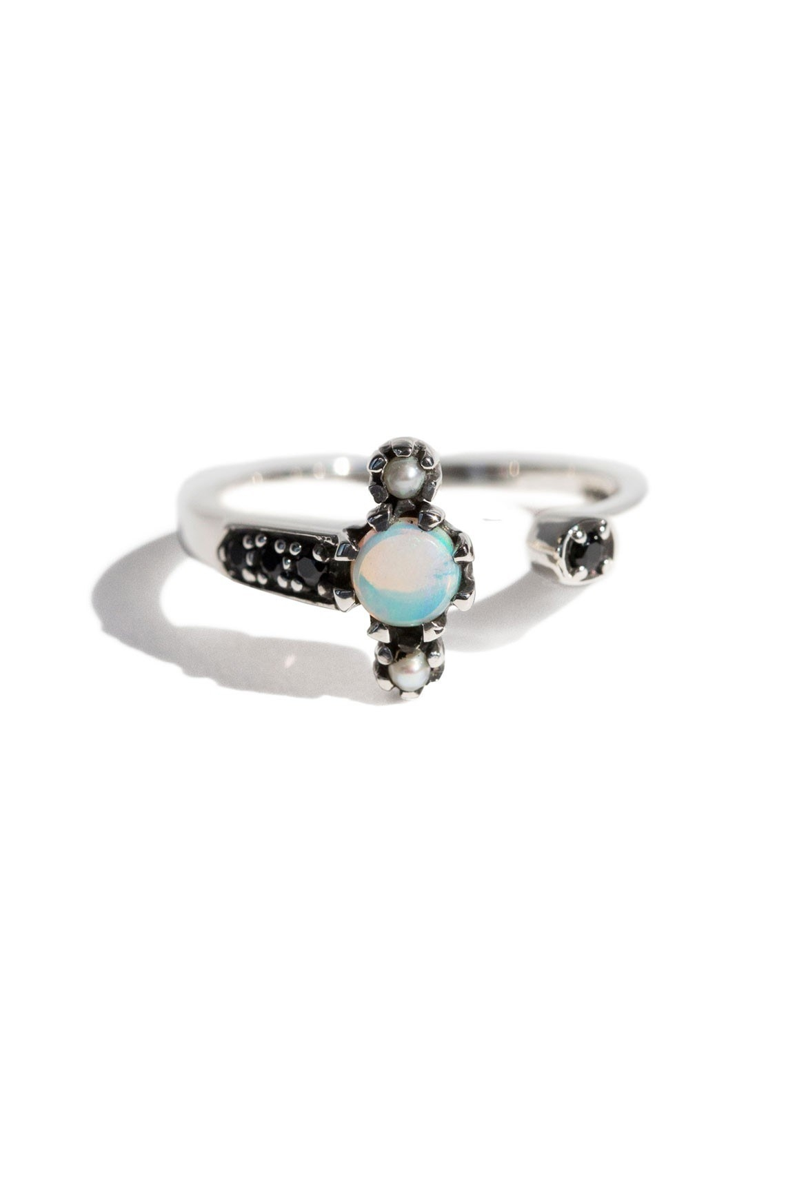 this silver pearl water ring