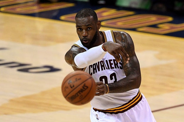 Recently, Javier Garcia-Cuesta, the coach of the US handball team (which did not qualify for the Olympics), said LeBron James could become the best handball player in the world if he trained for six months.