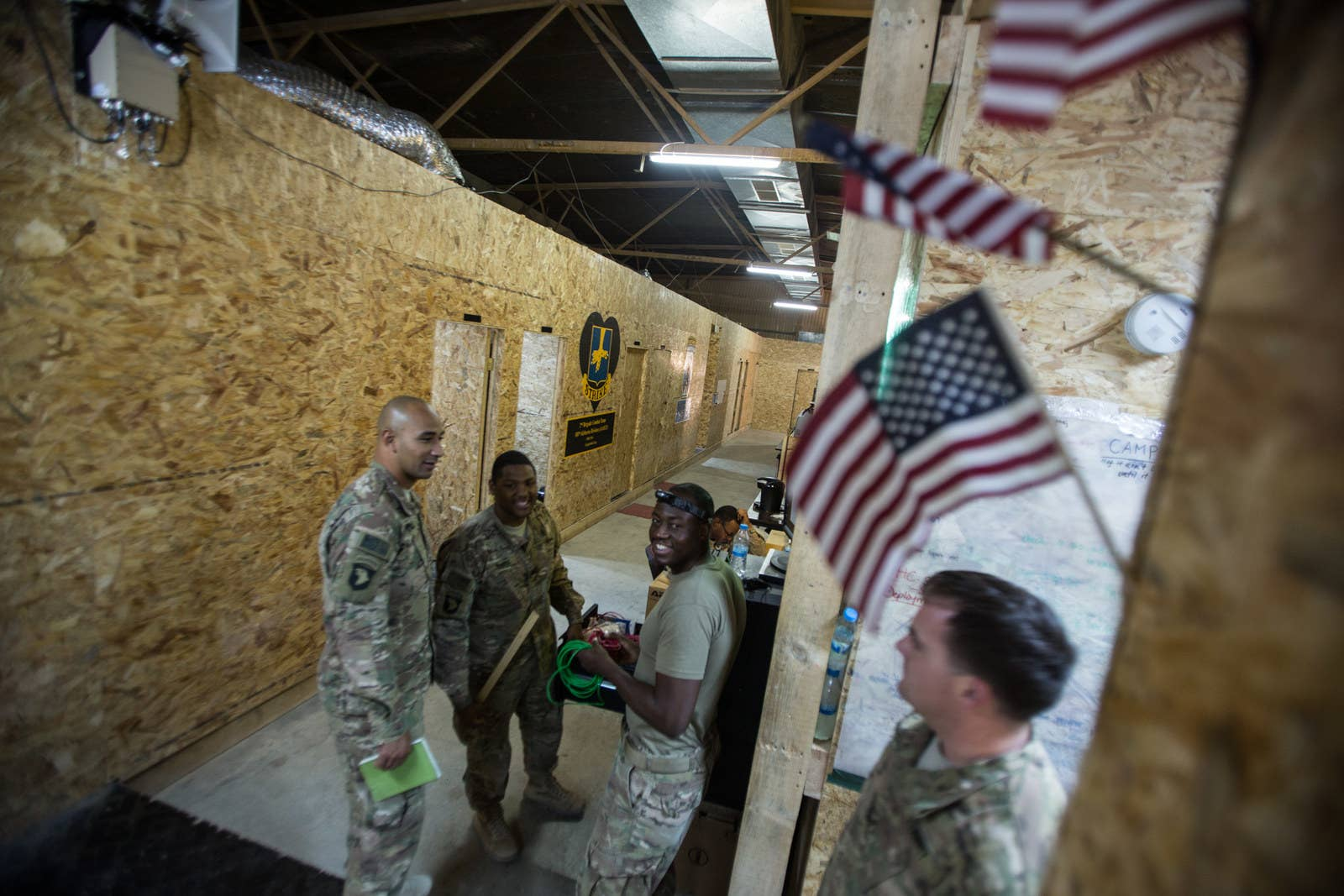 Rare Photos Show Life Inside A US Military Base In Iraq - Iraq map us military bases