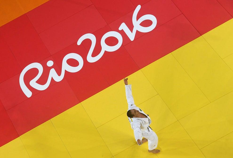 O judô ainda nos deu mais uma vitória: a do Rafael Silva, o Baby, aqui no momento em que foi sagrado vencedor do combate que deu a ele a medalha de bronze.
