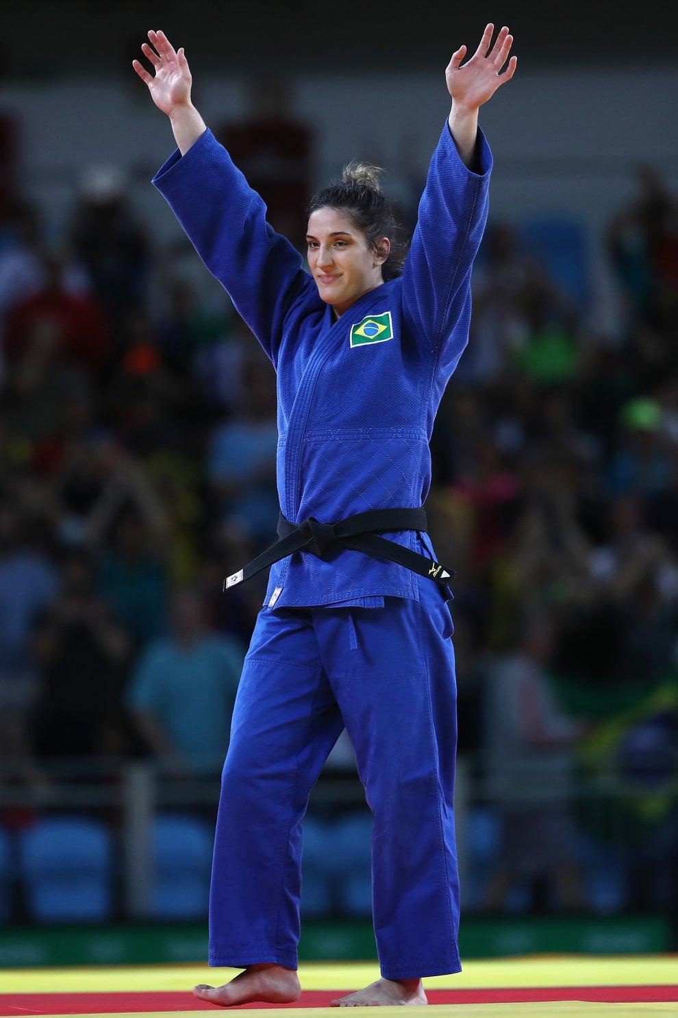 Também do judô veio nosso primeiro bronze, com a Mayra Aguiar.