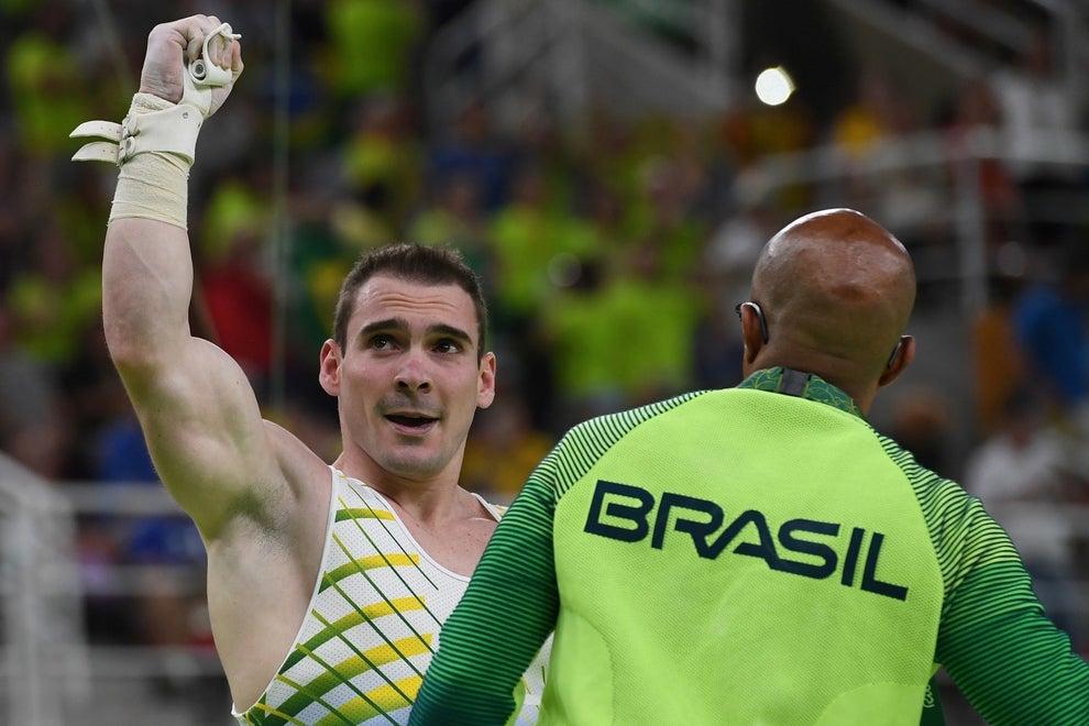 A ginástica ainda nos daria mais uma medalha: a de Arthur Zanetti, prata nas argolas.