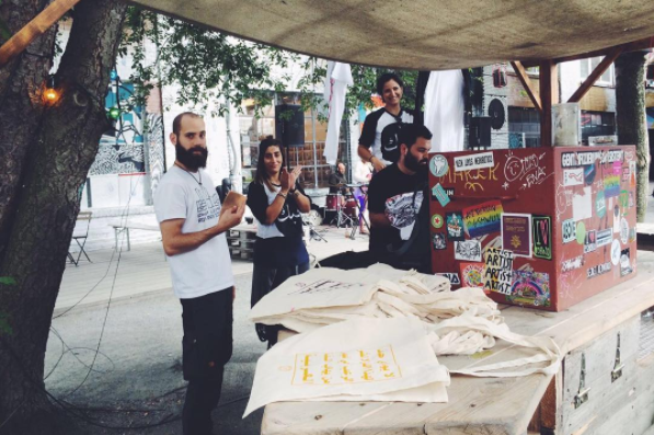 "The company, Rock Paper Scissors Mafia, produce tote bags with the message, ""This text has no other purpose than to spread terror in the hearts of those who are afraid of the Arabic language"" in Arabic."