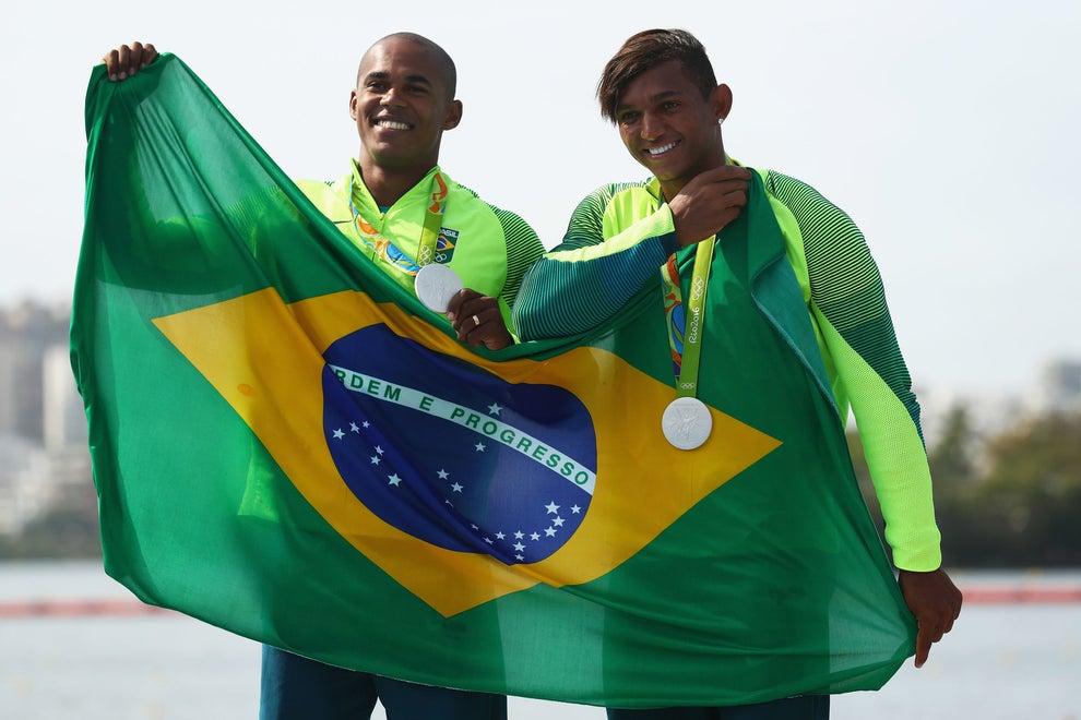 Uma Olimpíada, três medalhas. Isaquias fechou a conta das pratas do Brasil nesta edição: foram 6.