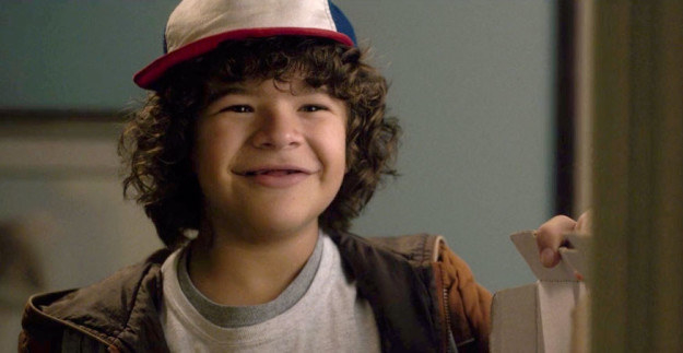 """This """"Stranger Things"""" Actor Wants To Take Photos With His Fans And It's So Cute"""
