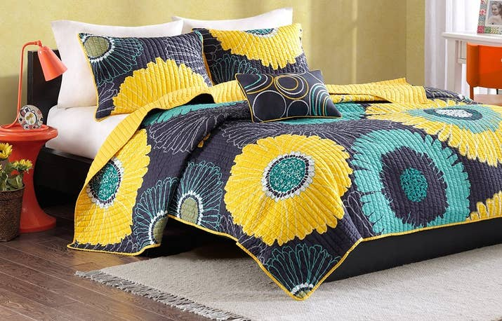 A Colorful Coverlet Set That Ll Turn Your Bed Into Garden
