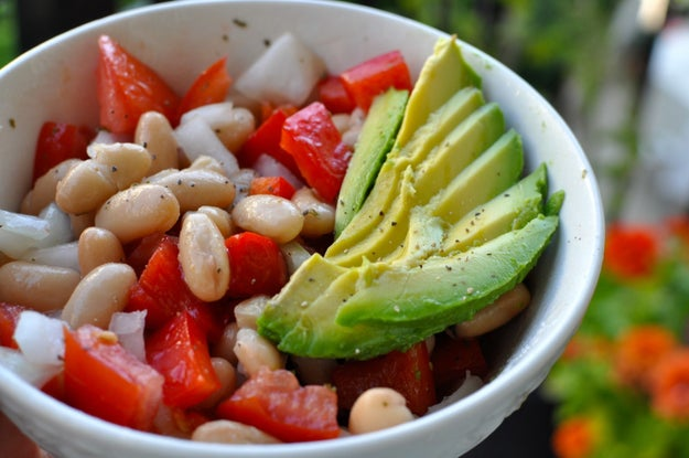 6. Saturday: White Bean Salad with Tomatoes & Avocado