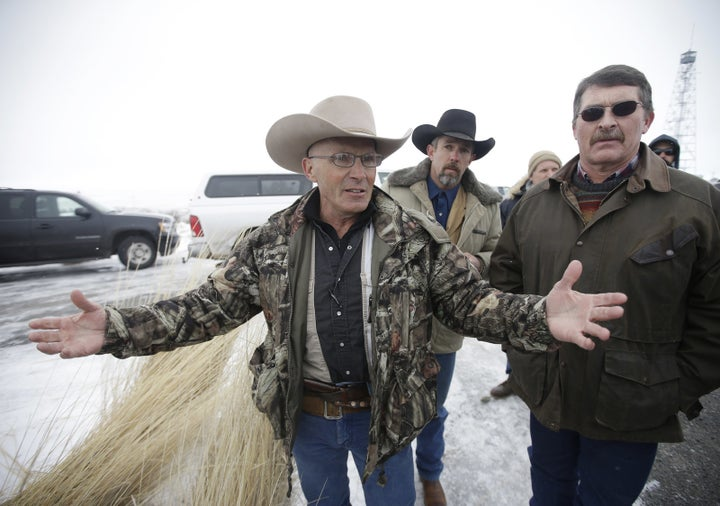 Family Of Rancher Killed In Oregon Standoff To Sue FBI, Police Over His Death