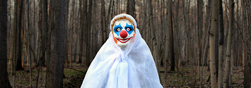People Are Being Warned About Scary Clowns Luring Kids Into The Woods