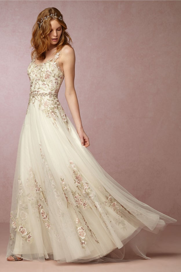 34 wedding dresses that 39 ll restore your faith in marriage for Wedding dress made of flowers