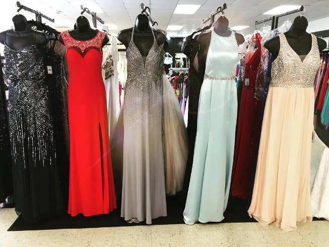 Tbh dress shopping for hijabis is never a good time.