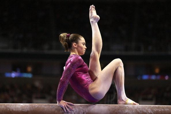 La presión para ser pequeña y delgada y tener el tipo de cuerpo perfecto de gimnasta es muy alta.