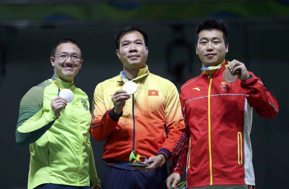 Discreto e tranquilão, ele inaugurou com uma prata as medalhas do Brasil na Rio 2016.