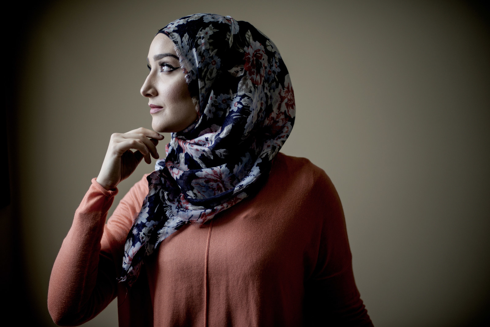 reklaw muslim girl personals Muslim girl problems: dating with the rise of the media in the past few years, there's been an increase of pressure on young muslim girls to date as someone who went to high school and university in the west, i know that pressure very well.