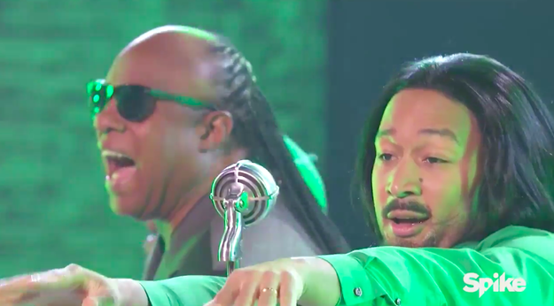 """John Legend paid tribute to André 3000 with his rendition of """"Hey Ya!"""" and got Stevie Wonder to perform with him."""