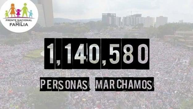 Este 10 de septiembre, simpatizantes del FNF marcharon en toda la república.