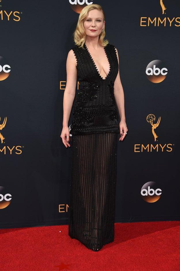 Si te encantó el look de Kirsten Dunst, es porque es un Givenchy.