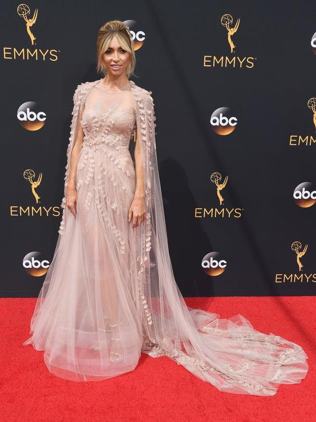 El etéreo vestido Georges Chakra Couture de Giuliana Rancic.