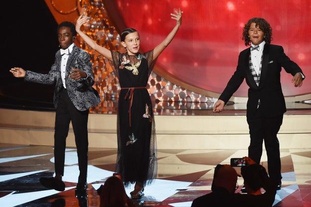 """Su paso por los Emmys fue tan épico, que hasta subieron al escenario para hacer un cover de """"Uptown Funk""""."""