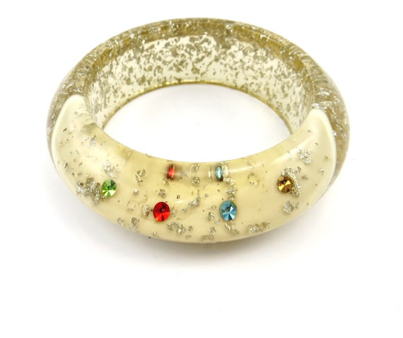 This shimmering bangle.