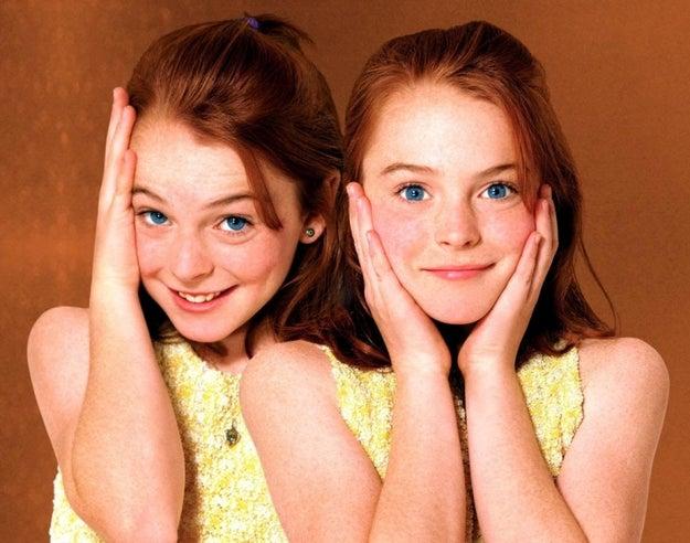 Y hace 18 años, Lindsay Lohan estaba conociendo a su gemela falsa en Juego de Gemelas.