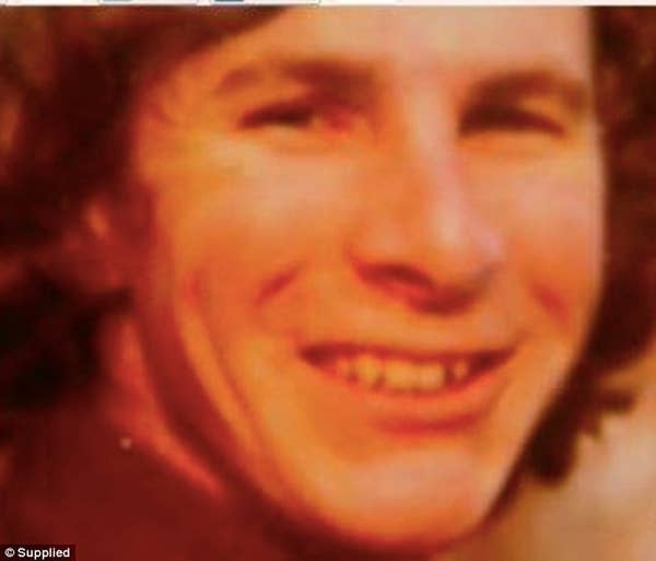 AUSTRALIA - TAMAM SHUD CASE: W/M, 40-50, found on Somerton