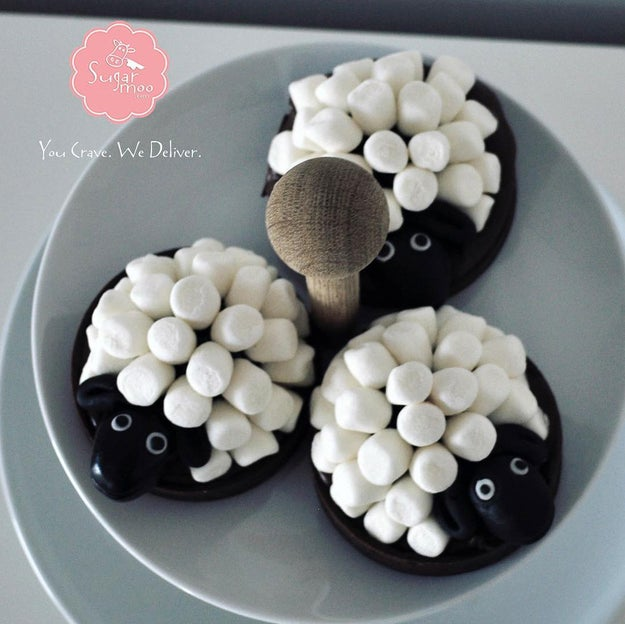Stuff your face with cute little sheep s'mores at SugarMoo.