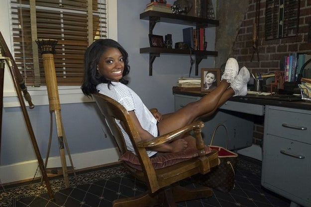 Simone also got to casually hang at Ezra's apartment...