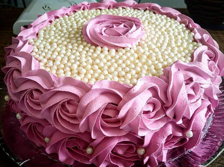 Pastel de rosas perfectas