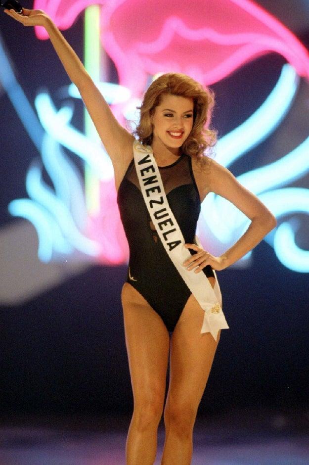 En 1995 fue coronada como Miss Venezuela con tan solo 19 años.