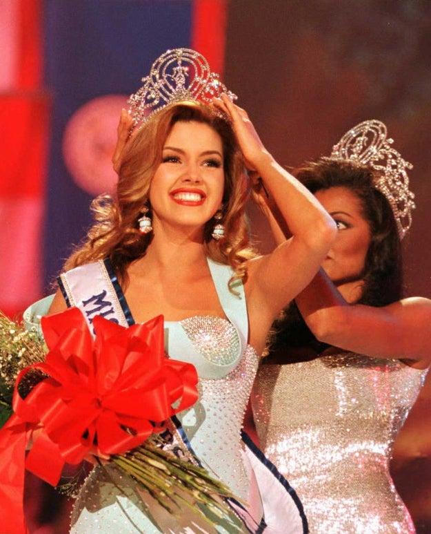 En 1996 se posicionó como la cuarta venezolana en ser nombrada Miss Universo.
