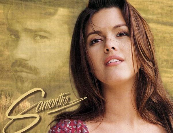 En el 98 emprendió su carrera como actriz, protagonizando famosas novelas.