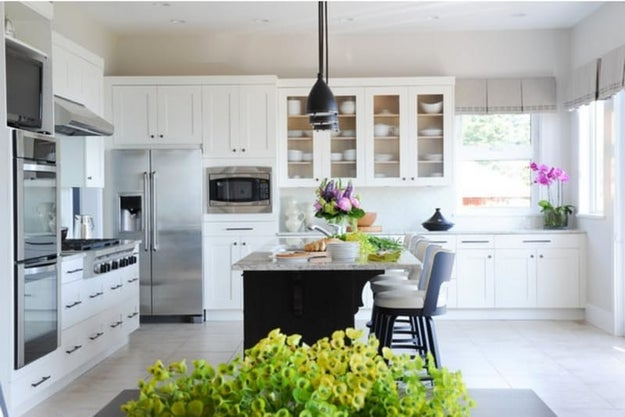 How refacing your kitchen cabinets can help you for Cheapest way to reface kitchen cabinets