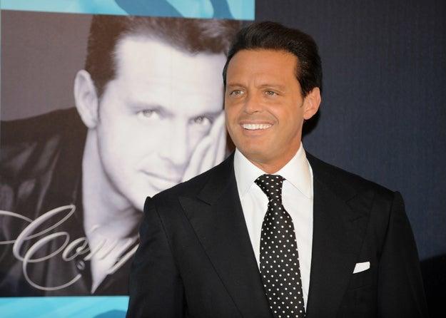 Tuvo un romance de algunos meses con el cantante Luis Miguel.