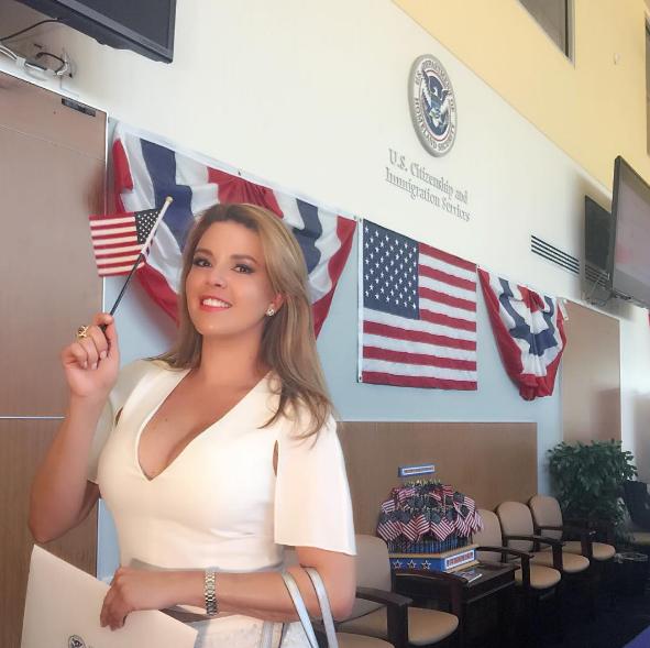 Hace un par de semanas recibió la ciudadanía norteamericana.