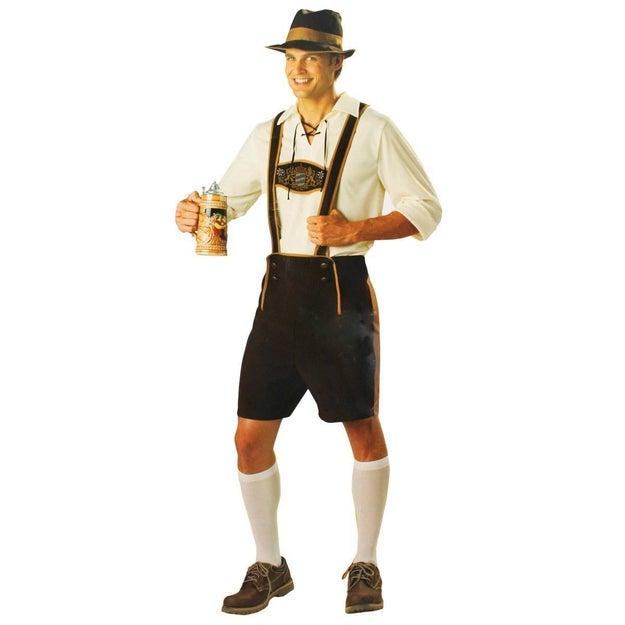 Ya no vas a necesitar pretextos para tomarte todas esas cervezas con este disfraz típico de Bavaria ($640).