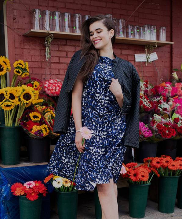 Experimente um serviço de assinatura que permita que você pegue roupas emprestadas por uma taxa mensal.