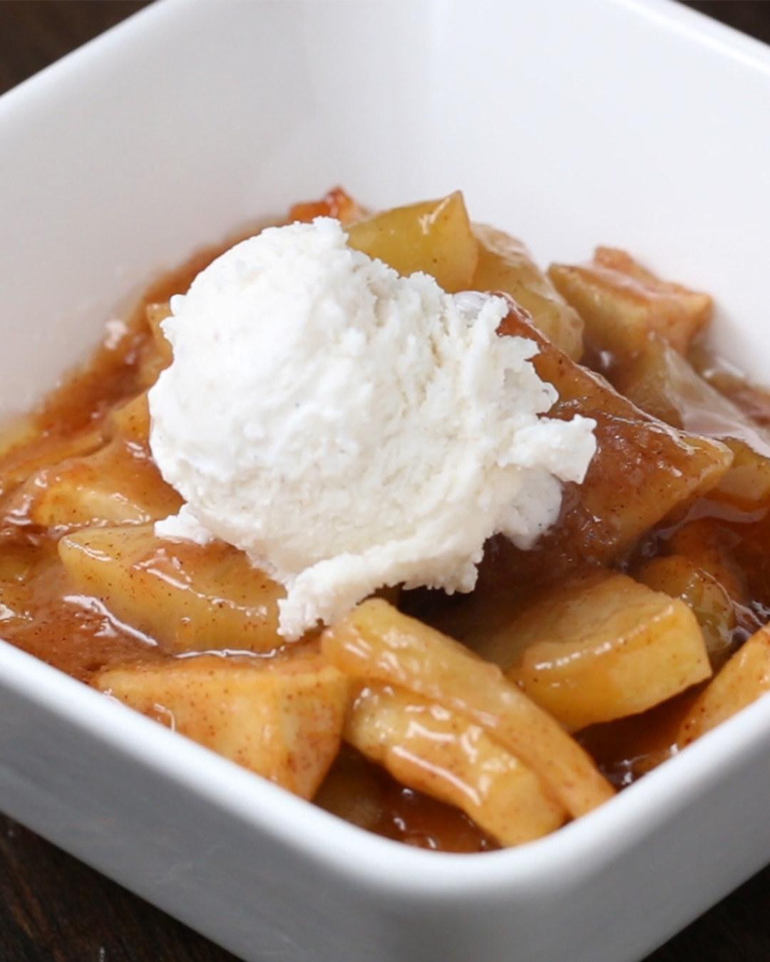 Caramel Apple Bake