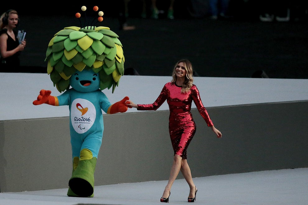 Teve a chegada do mascote Tom, que agora substituirá o herói olímpico Vinícius, acompanhado de Fernanda Lima.