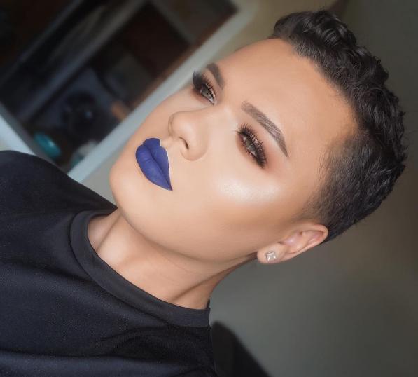 El labial azul es el color que nunca supiste que necesitabas.